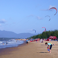 Cairns guide, Kite surfing at Yorkey's Knob
