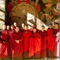 Bhutan travel guide, red-robed monks
