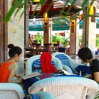 Siem Reap nightlife guide, Red Piano bar and cafe