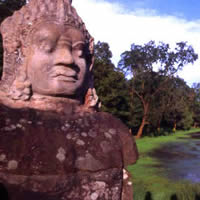 Angkor temple guide, Angkor Thom stone guardian