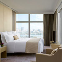 Guangzhou conference hotels, the iconic Langham Place serves up chic Suites