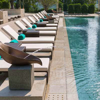 Mandarin Oriental Guangzhou has a resorty pool, open air pool