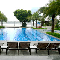 Resort-style river front pool at White Swan