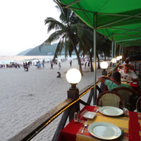 Sanya dining and nightlife, Dadonghai Russian beachfront cafe