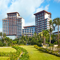 Grand Hyatt Sanya offers lush foliage