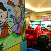Sanya family friendly resorts, Mangrove Tree Ferrari race simulation for kids