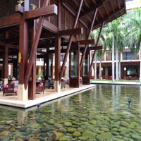 Sanya family friendly resorts, Mangrove Tree Balinese lobby