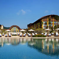 Sanya resorts review, St Regis employs dramatic architecture