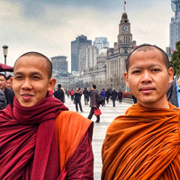 Shanghai fun guide, monks on the Bund