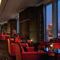 Shanghai bars with Bund view, Elly's at Peninsula Hotel
