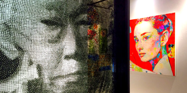 Singapore shopping guide - art gallery ODETOART featuring a wire mesh Lee Kuan Yew and colourful Audrey Hepburn
