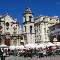 Cuba guide, street cafes in Old Havana square
