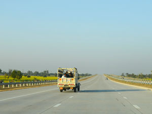 The New Delhi-Agra expressway is a four-lane marvel