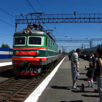 Trans-Siberian Railway guide, engine idling on platform