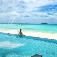 Maldives romantic weddings at Four Seasons Landaa Giraavaru