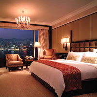 Hong Kong business hotels, Island Shangri-La room image