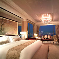 Island Shangri-La is a grand hotel in the classical tradition - Presidential Suite