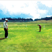 Gulmarg guide to golf and skiing