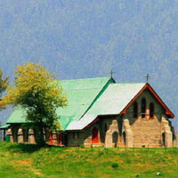Gulmarg fun guide, scenic church in alpine pastures