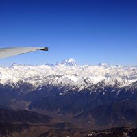 Mountain flight past Nun Kun peaks