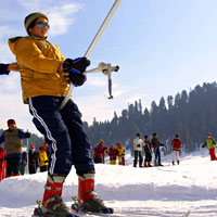 Gulmarg skiing, bunny slopes at Poma