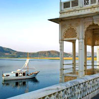 Romantic India spas, Jiva Spa boat at Taj Lake Palace Udaipur