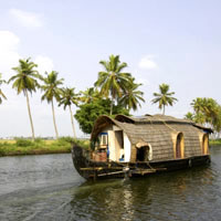 Kerala guide, houseboat on the backwaters