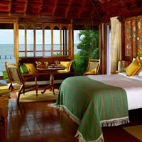 Kerala spa resorts, Kumarakom Lake Resort