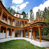 Ladakh fun guide to interesting hotels, Lharisa Leh