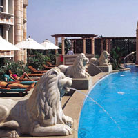 Mumbai business hotels, ITC Maratha rooftop pool