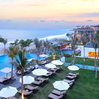 Alila Seminyak serves up an array of seafronting pools