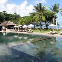 Bali boutique hotels, Jimbaran Puri pool on the seafront