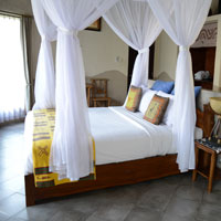 Bali fun guide - Mara River Lodge for safari holidays with kids and family