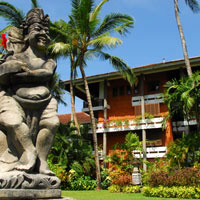Bali resorts review, Melia statue