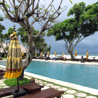 Seminyak resorts review, The Oberoi Bali pool