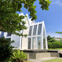 Bali resort weddings - Ritz-Carlton sea-fronting chapel
