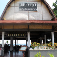 Lombok bars and restaurants on Senggigi, The Office