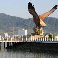 Langkawi fun guide, eagle statue near Kuah