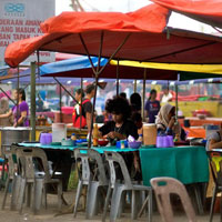 Sabah fun guide to shopping and eating, waterfront market food stalls in KK