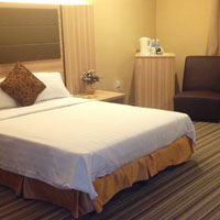 Budget hotels in Kota Kinabalu, simple Zara bedroom
