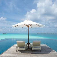 Conrad Maldives review,  infinity pool