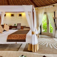 Guide to the best Maldives resorts and diving holidays,  Banyan Tree Vabbinfaru