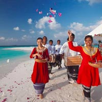 Maldives beach weddings, Baros fun guide