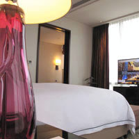 Manila luxury hotels for casinos, Crown Towers suite