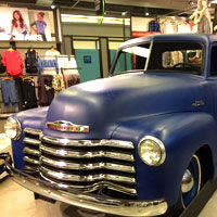 Manila fun shopping, Old Navy car at Glorietta, Makati