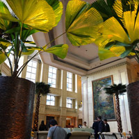Top Manila business hotels, Peninsula's popular lobby
