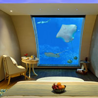 Singapore casino hotels, Equarius aquarium room