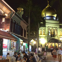 Sultan Masjid lights up near Arab Street