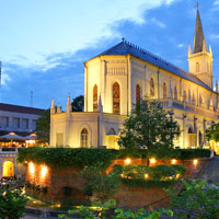 Singapore bars and chic restaurants, Chijmes