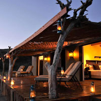 Best South African safaris, Sibella Suite has an outdoors feel with modern comforts